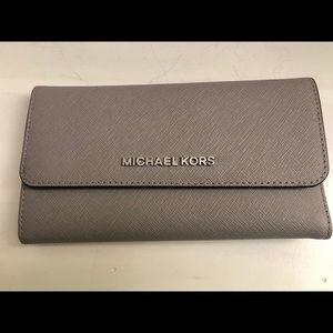 Michael Kors Pearl Grey Wallet